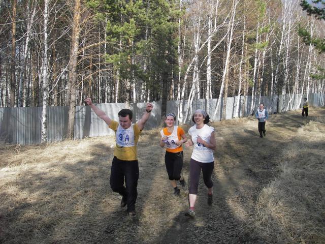 Команда ИДСТУ на кроссе ИНЦ СО РАН (13 мая 2010)-Финиш!